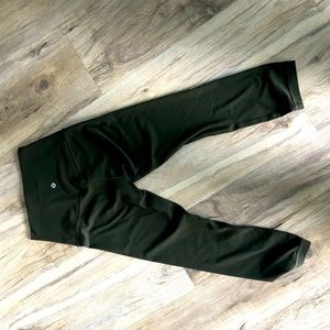 Lululemon crop leggings - Dark Olive - Sz 4